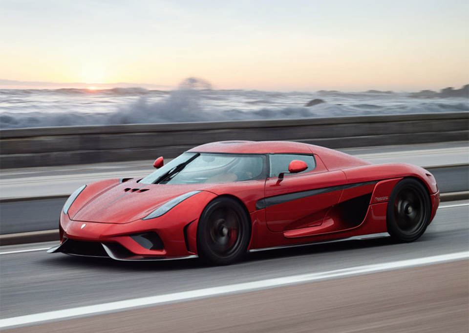 Koenigsegg Regera Turns On The Smoke Machine 95 Octane