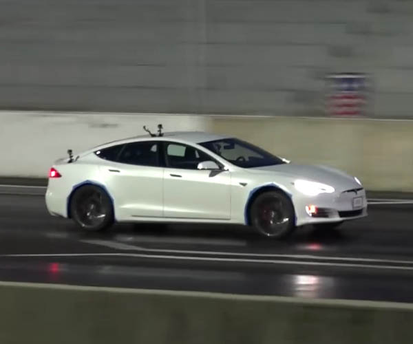 Tesla Model S P90D Destroys Quarter Mile in 10.8 Seconds