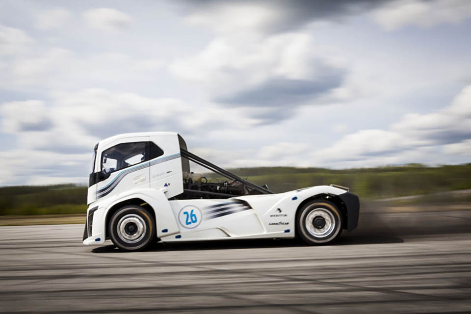 Volvo Iron Knight Big Rig Sets World Speed Records