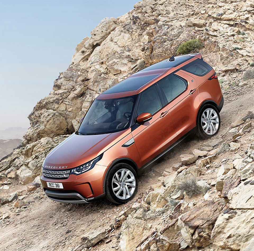 2018 Land Rover Discovery Ready To Take 7-Passengers Off-Road