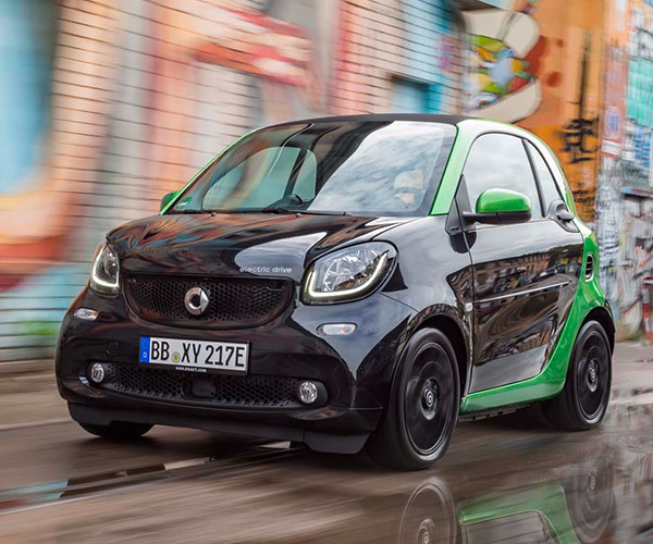 2017 Smart Fortwo Electric Drive Heads to Paris