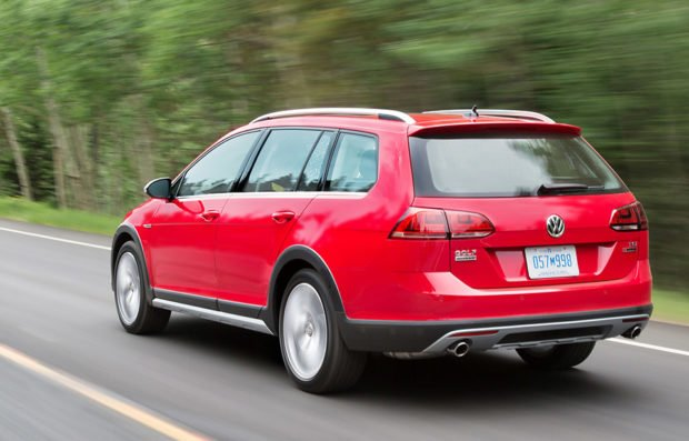 ... Volkswagen Golf Alltrack: The Off-road Ready Station Wagon - 95 Octane