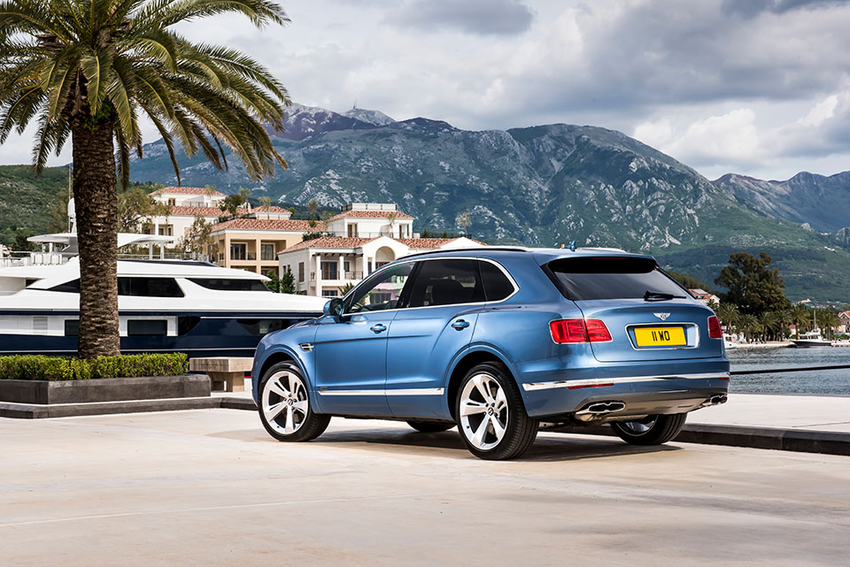 Bentley Bentayga Diesel Is All About the Torque