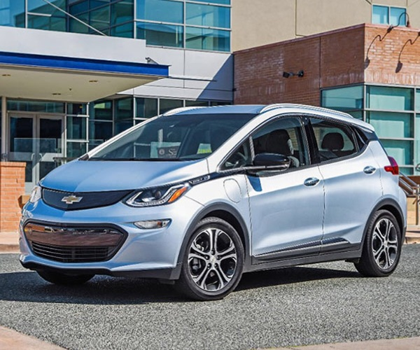 Chevy Bolt EV Takes on Tesla with 238-mile Range