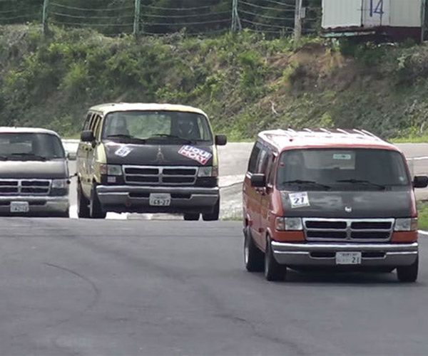 Dodge Van Racing is Japan at its Coolest