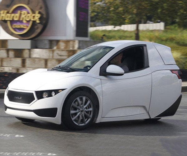 Electra Meccanica Solo 3-Wheel EV Aims for 100 Mile Range