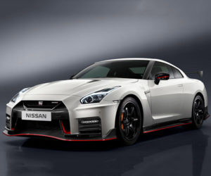 2017 Nissan GT-R NISMO Costs Nearly as Much as a 911 GT3 RS