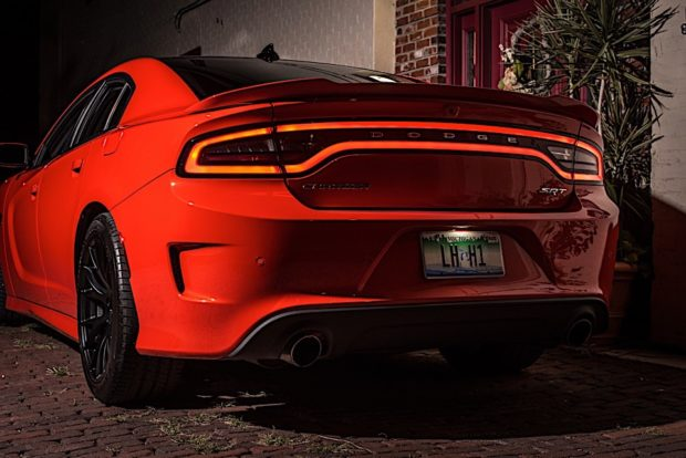 2016-dodge-charger-hellcat_15