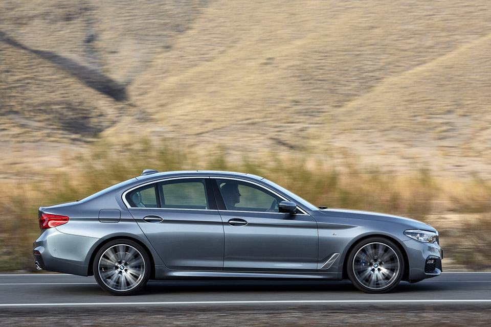 Bmw Equips The New 530i And 540i With A Steering Lane Keeping System That Can Help Drivers Stay In Their Lanes At Sds Up To 130 Mph