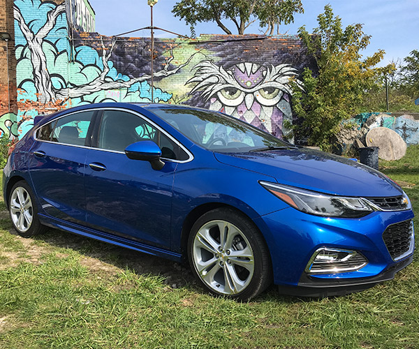 2017 Chevrolet Cruze Hatchback: Hatching Fun