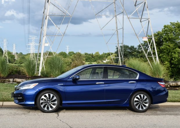 2017_honda_accord_hybrid_3