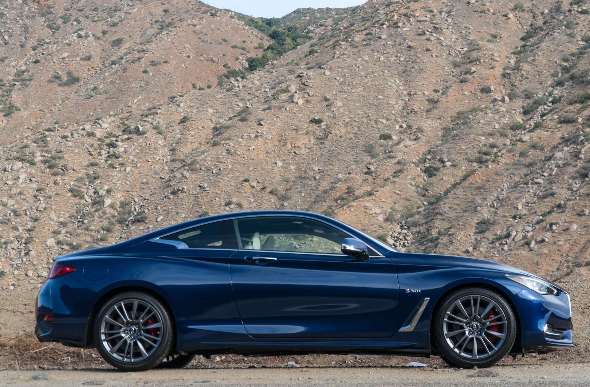 first drive review 2017 infiniti q60 red sport 400 95 octane. Black Bedroom Furniture Sets. Home Design Ideas