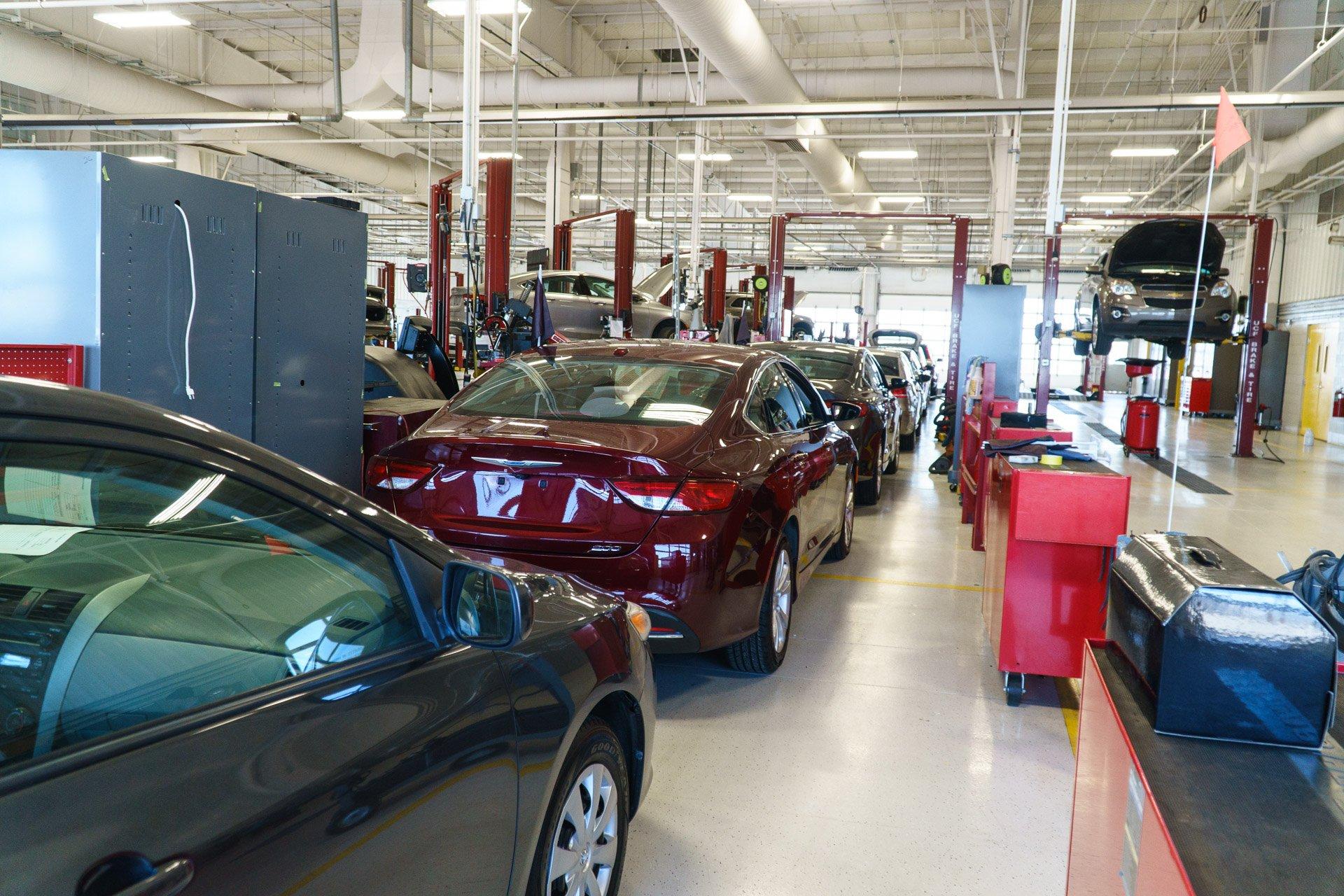 Manheim Car Auction: Inside A Wholesale Car Auction At Manheim Chicagoland