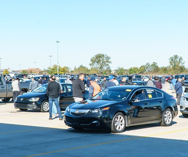 Inside A Wholesale Car Auction At Manheim Chicagoland