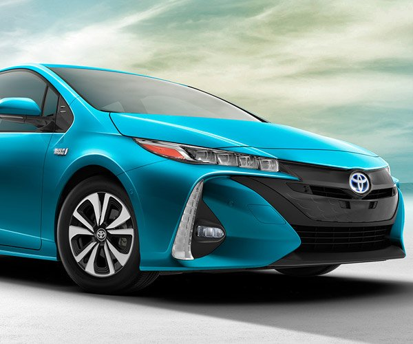 Toyota Prius Prime is Ugly, But Very Efficient