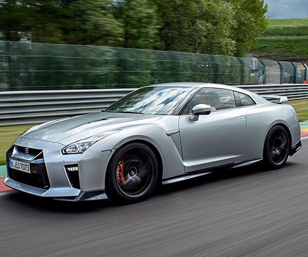 2017 Nissan GT-R Buyers Get a Free Track Day