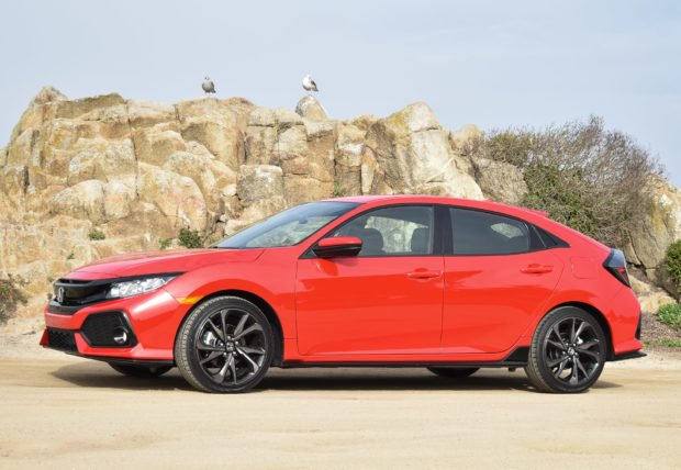 2017_honda_civic_hatchback_review_13