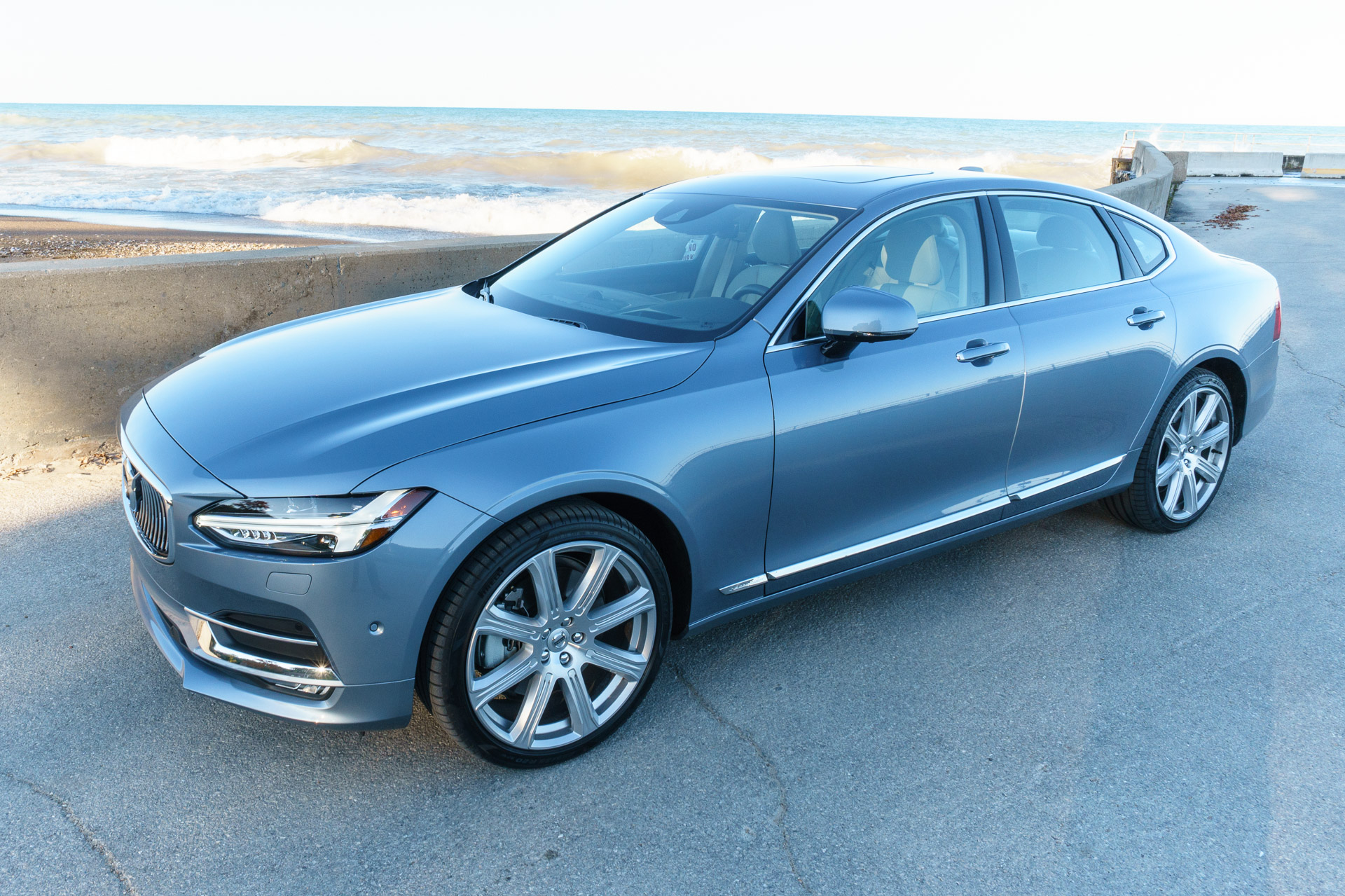 Review: 2017 Volvo S90 T6 AWD Inscription