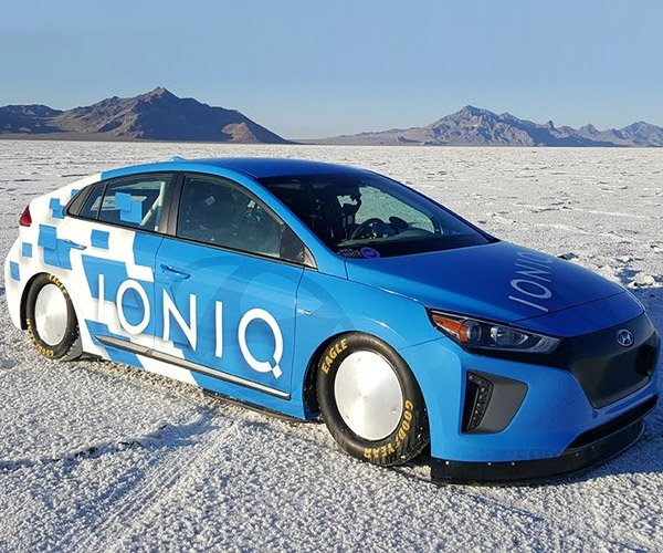 Hyundai Ioniq Breaks Hybrid Land Speed Record