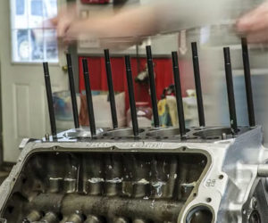 Watch a Chrysler Hemi V8 Get Rebuilt in Time-Lapse