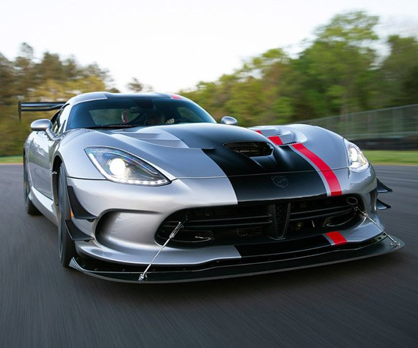 2017 Dodge Viper Order Banks Will Open Again