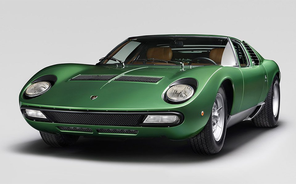 Restored Lamborghini Miura SV Takes to the Track