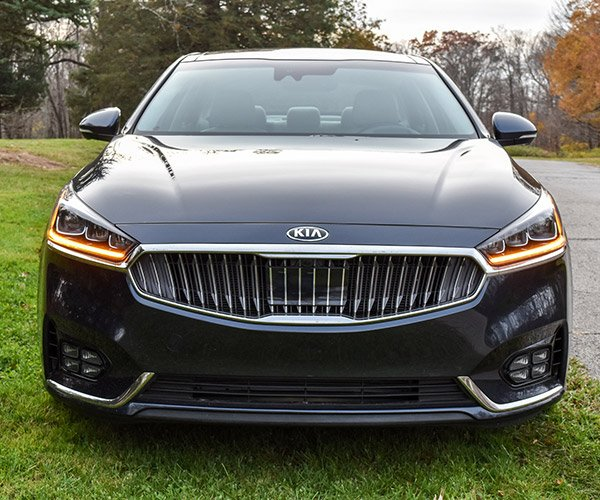 Review: 2017 Kia Cadenza SXL