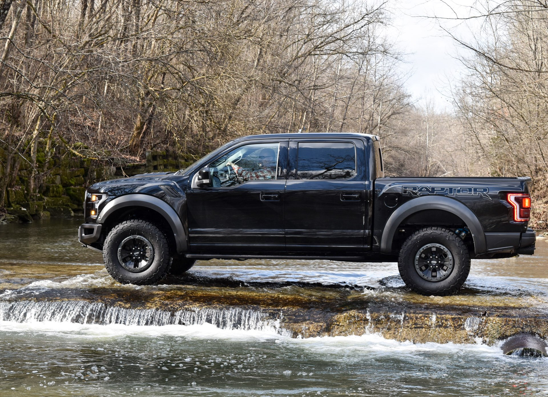 2017 ford f 150 raptor review. Black Bedroom Furniture Sets. Home Design Ideas