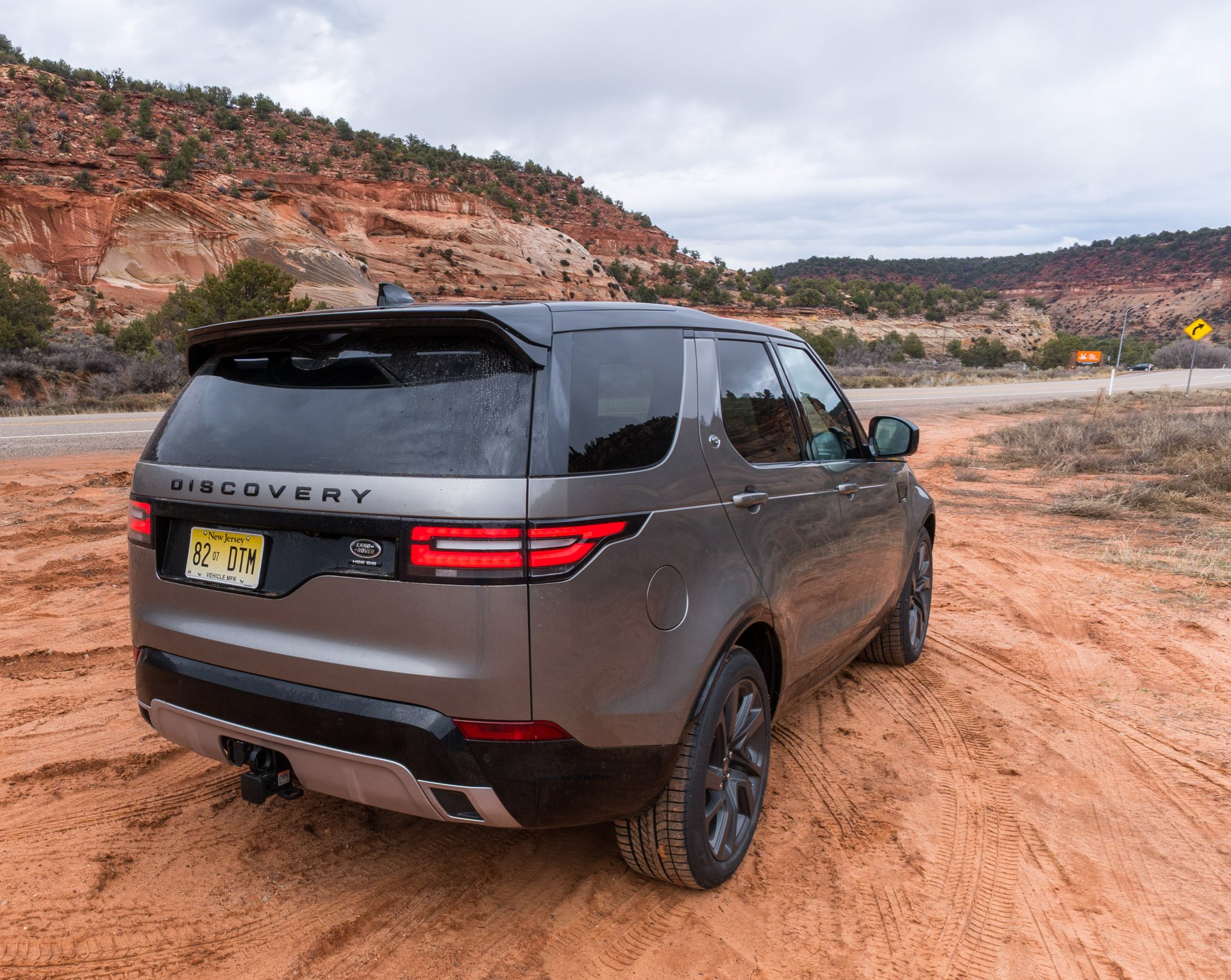2017 Land Rover Discovery: The New King of the SUV Hill ...