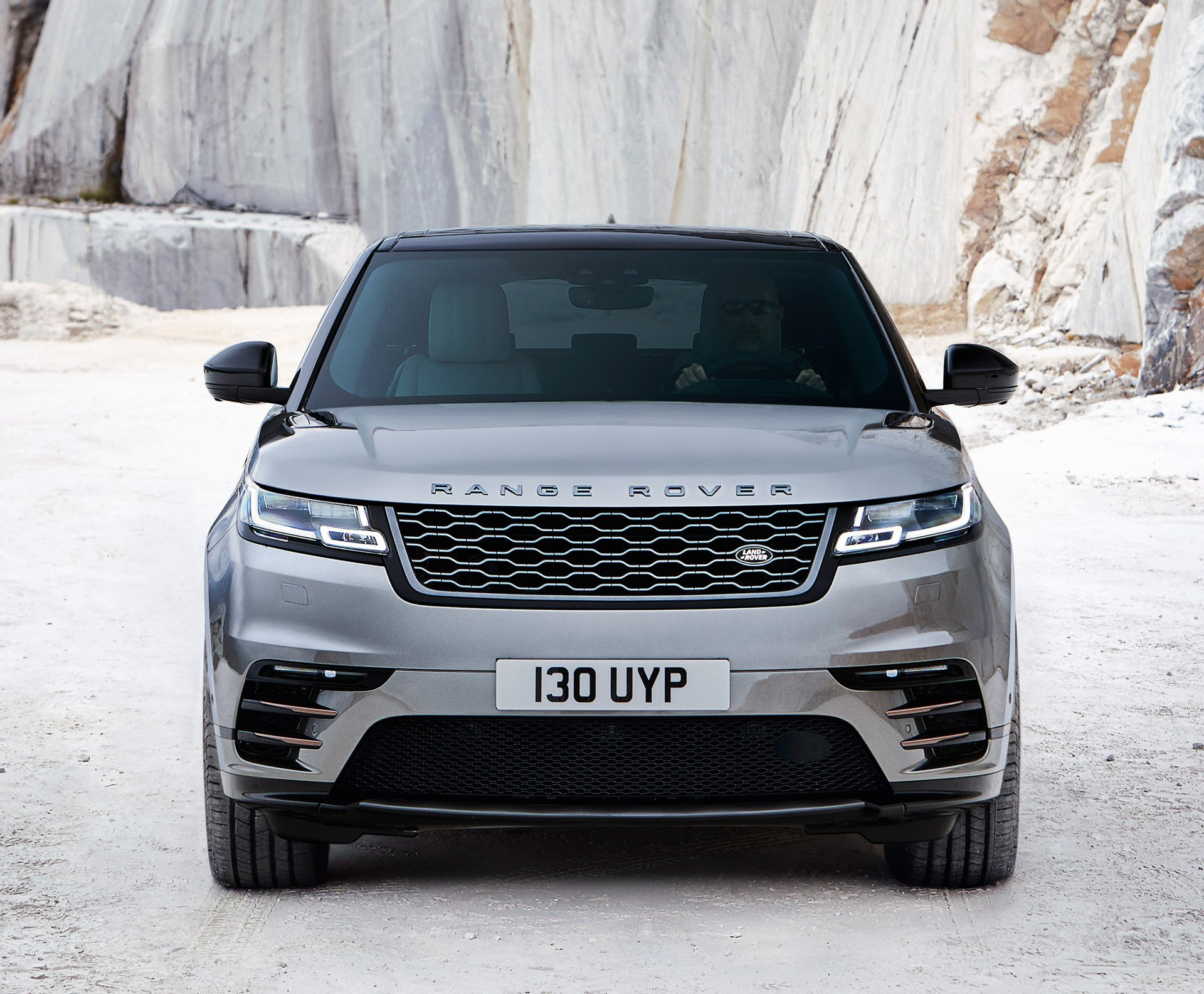 2018 range rover velar gets official 95 octane. Black Bedroom Furniture Sets. Home Design Ideas