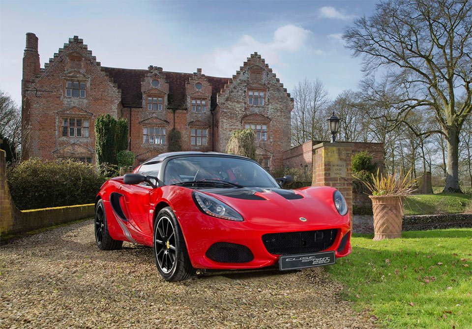 Lotus Elise Sprint Sheds Weight to Gain Performance