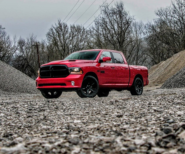 2017 ram 1500 night edition crew cab review red between the lines the thrill of driving. Black Bedroom Furniture Sets. Home Design Ideas
