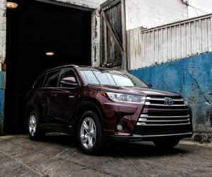 2017 Toyota Highlander Hybrid Review: The 3rd Inning Stretch