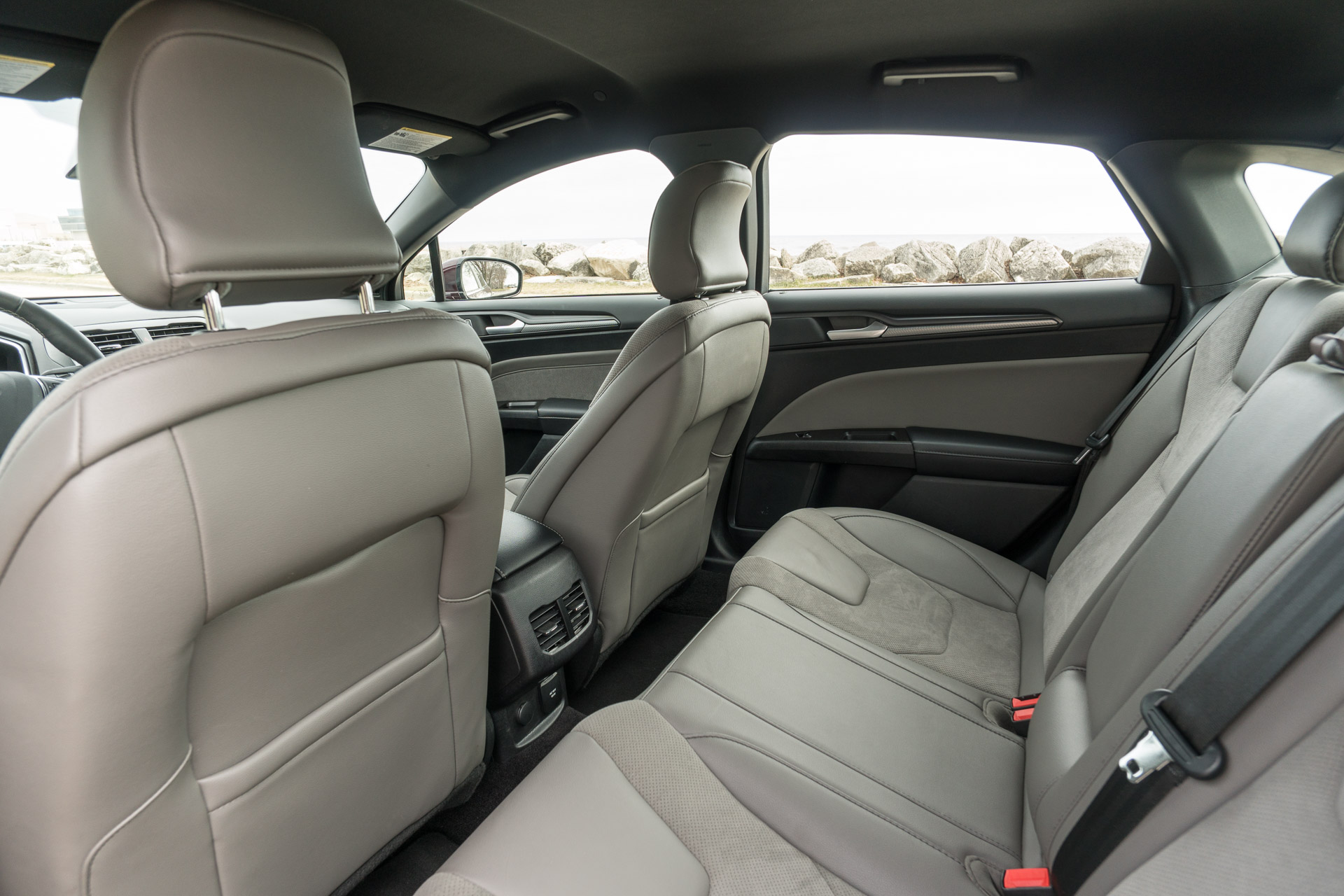The Rear Seats Offer Ample Legroom And Headroom Can Be Folded In A 60 40 Configuration To Expand Cargo Capacity Above Trunk S Standard 16 Cubic