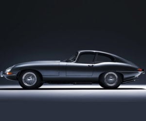 Jaguar Perfectly Restoring Classic E-Types