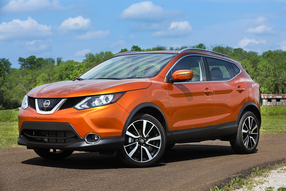 nissan rogue sport price announced 95 octane. Black Bedroom Furniture Sets. Home Design Ideas