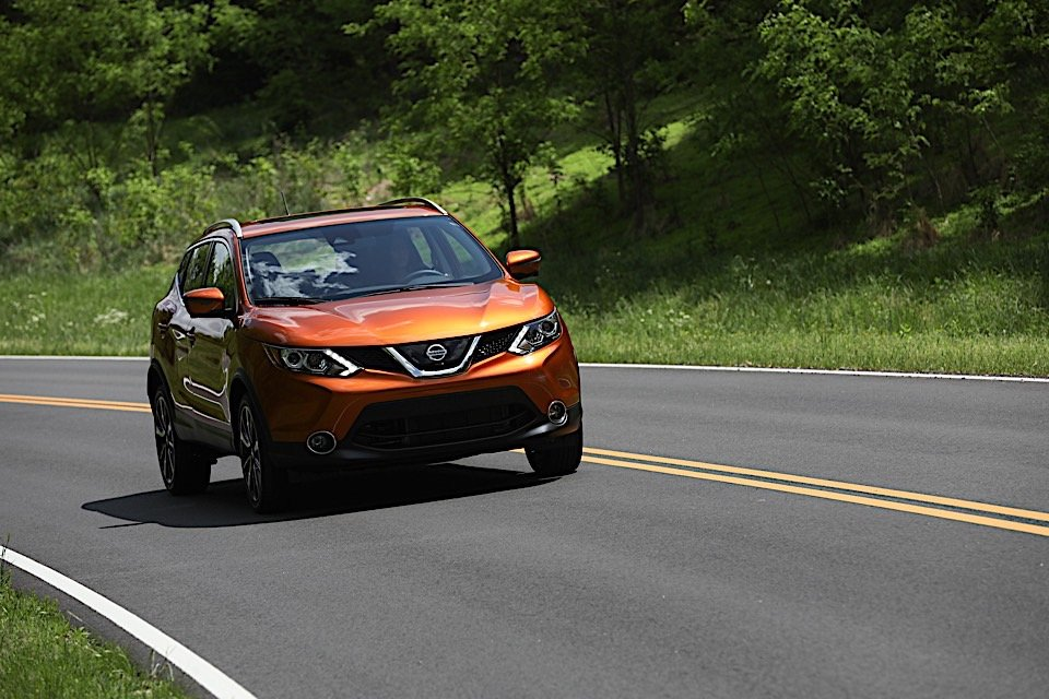 """We Drive the """"Fun-Sized"""" 2017 Nissan Rogue Sport"""