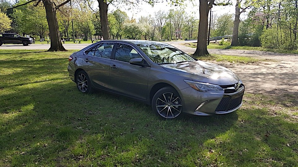 toyota camry 2017 xse specs 2017 toyota camry xse v6 specs and features canada toyota camry. Black Bedroom Furniture Sets. Home Design Ideas