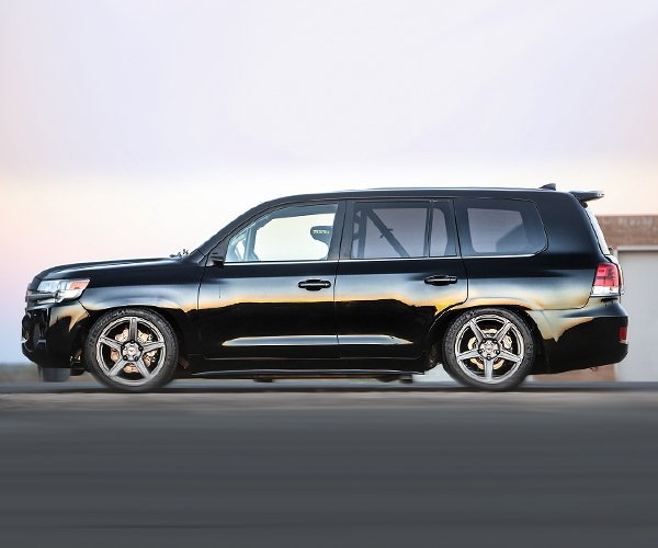 Toyota Sets a World Record for Fastest SUV in a Land Cruiser