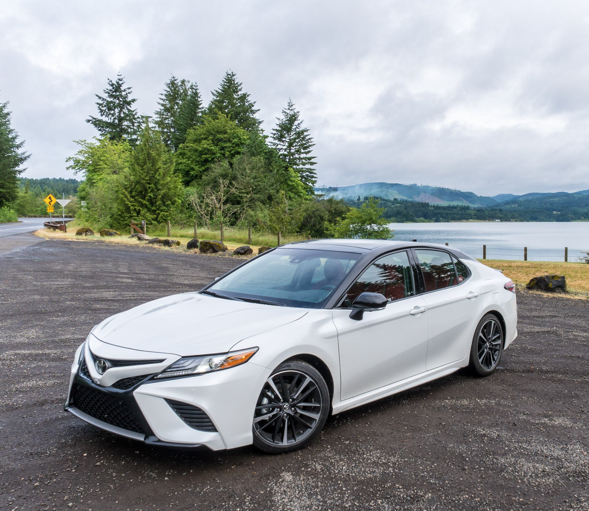 2018 toyota camry first drive review say bye bye bland 95 octane. Black Bedroom Furniture Sets. Home Design Ideas