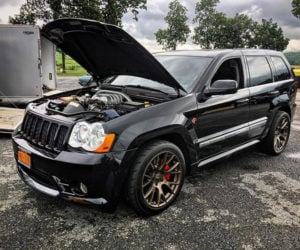 This Hellcat Jeep Grand Cherokee Lives Life 1/4 Mile at a Time