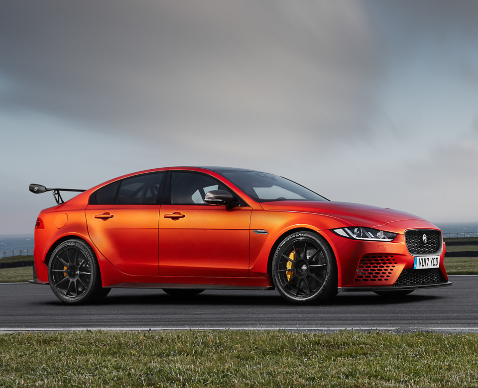 jaguar xe sv project 8 does 0 to 60 in 3 3 seconds 95 octane. Black Bedroom Furniture Sets. Home Design Ideas