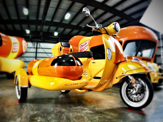 The Fun Side Of Art likewise Bike To Brunch Bryants moreover oscarmayer furthermore Months Best Photos For August 2011 further 75959028. on oscar mayer wienermobile side