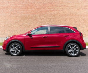 2017 Kia Niro Touring Review: A Wagon By Any Other Name…