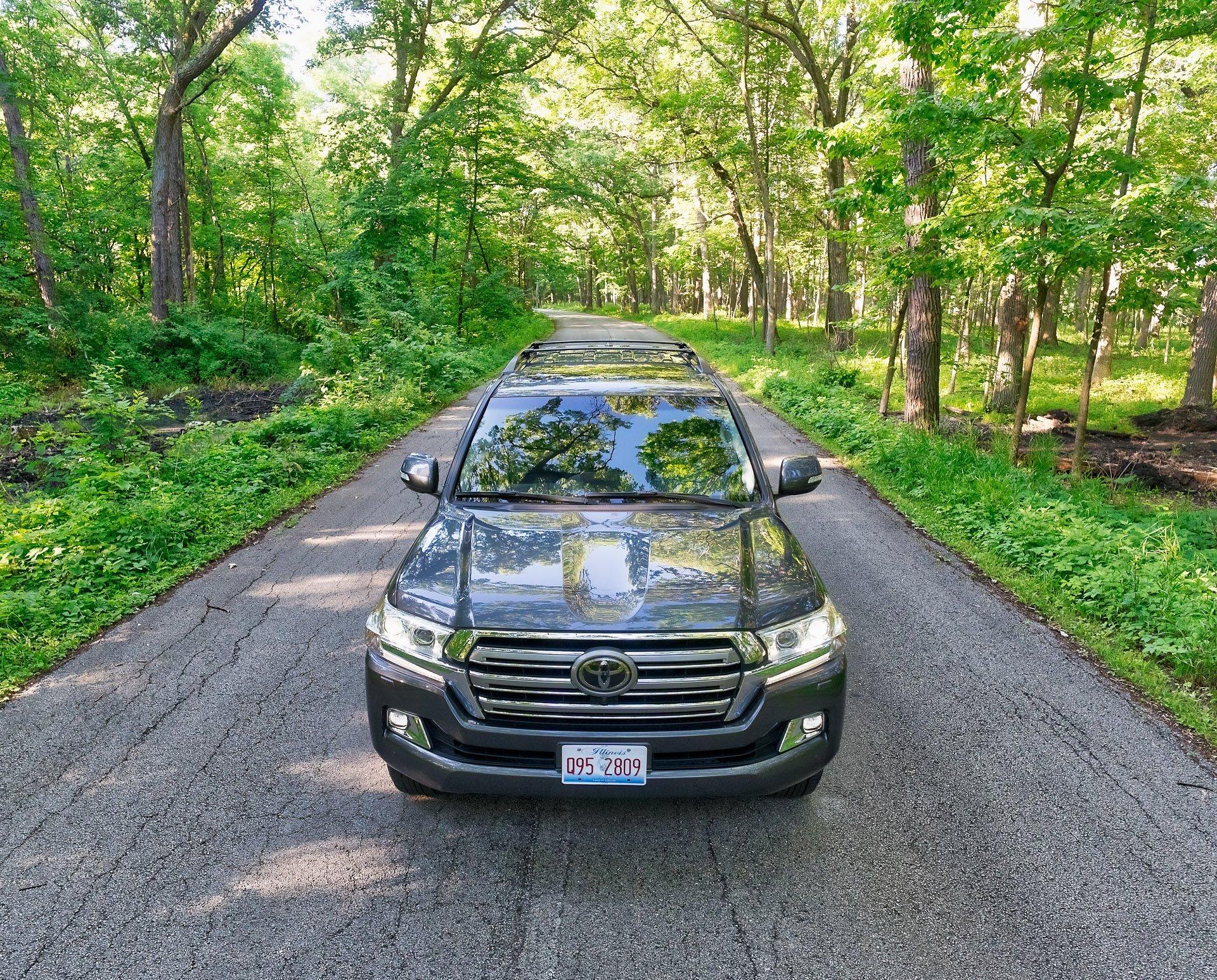 2017 Toyota Land Cruiser Review: A Big Boy for Big Budgets
