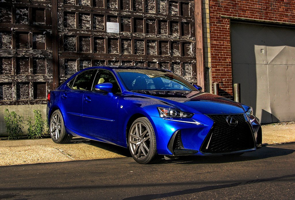 2017 lexus is350 f sport review a stylish sensible sporty sedan 95 octane. Black Bedroom Furniture Sets. Home Design Ideas