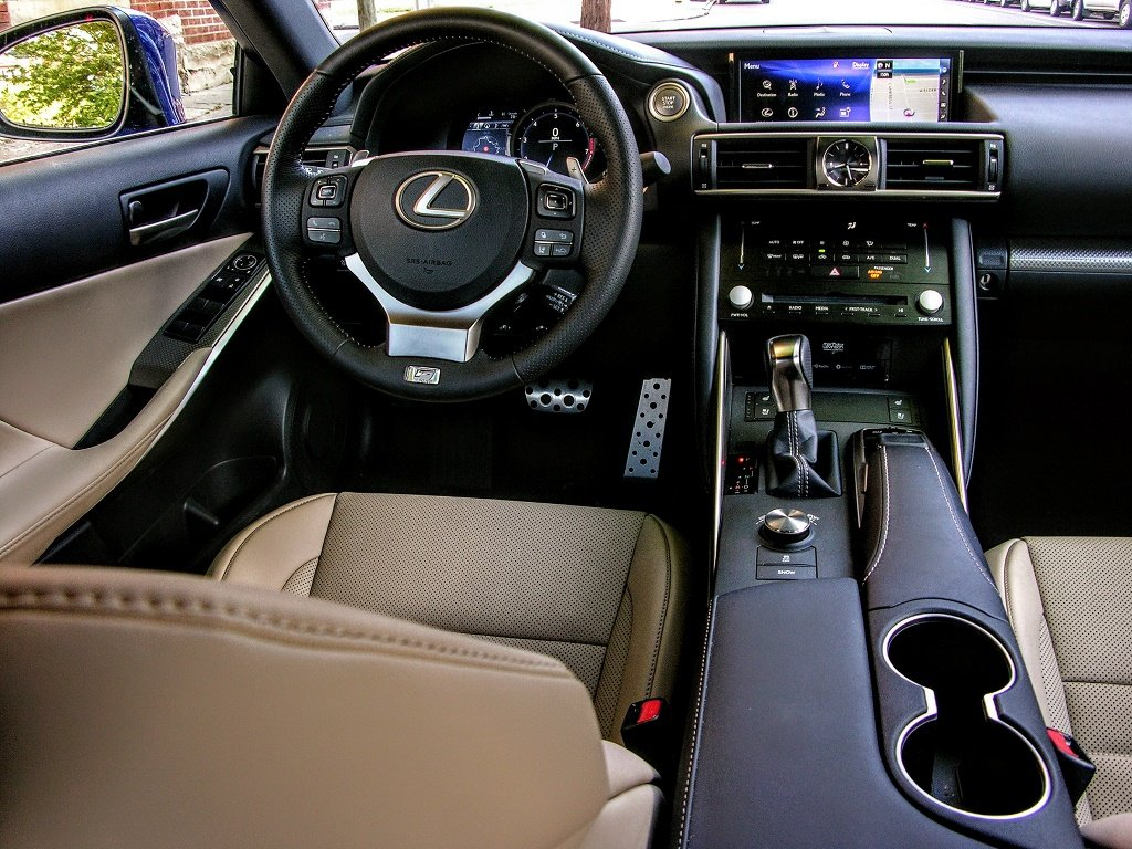 2017 lexus is350 f sport review a stylish sensible. Black Bedroom Furniture Sets. Home Design Ideas