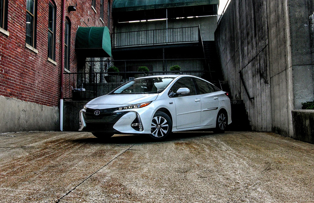 2017 toyota prius prime review space station smartypants 95 octane. Black Bedroom Furniture Sets. Home Design Ideas
