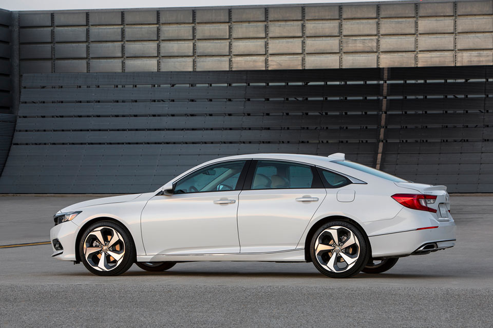 The Turbo Engines Will Come With A 10 Sd Auto Or 6 Manual You Ll Notice That Honda Is No Longer Offering V6 Engine For Accord