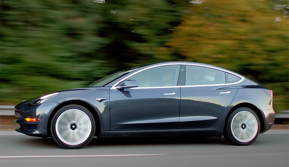 Tesla Delivers First Handful of Model 3 EVs
